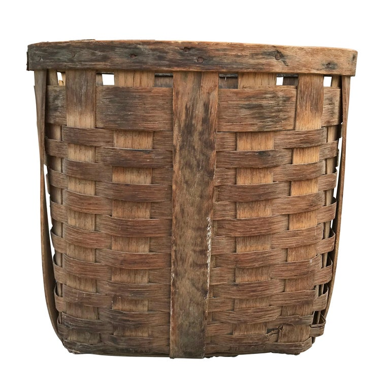Country Pair of 19th Century American Potato Baskets For Sale