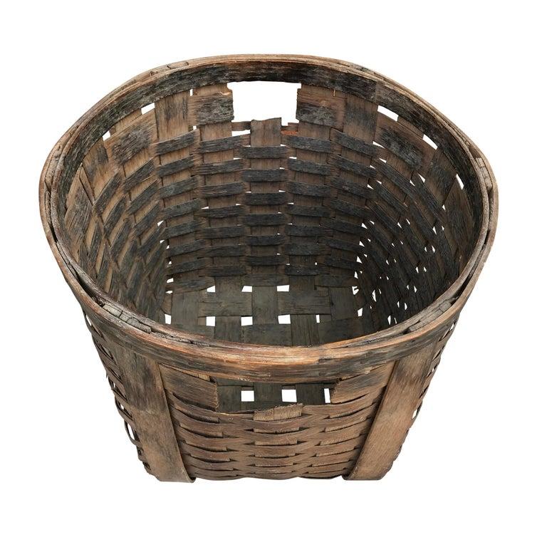 Oak Pair of 19th Century American Potato Baskets For Sale