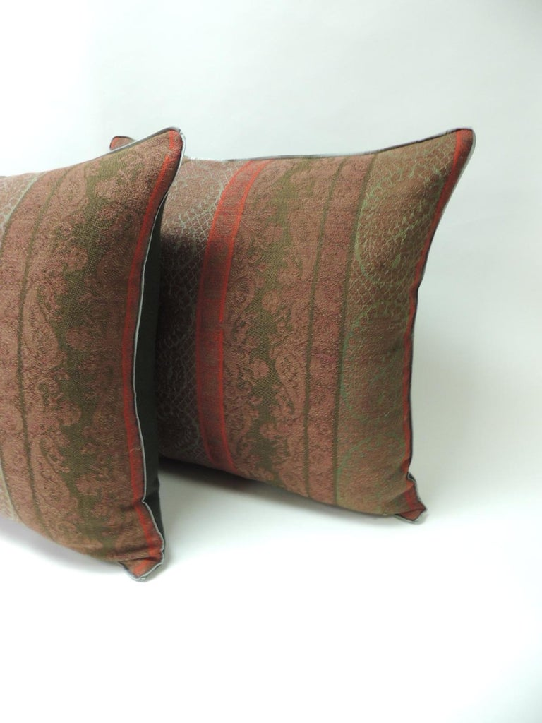 Indian Pair of 19th Century Antique Woven Red Kashmir Paisley Square Decorative Pillows For Sale