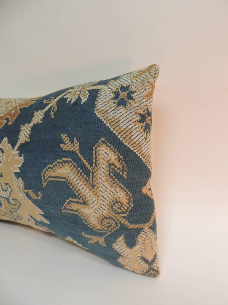 English Pair of 19th Century Arts & Crafts Tan and Blue Decorative Lumbar Pillows For Sale