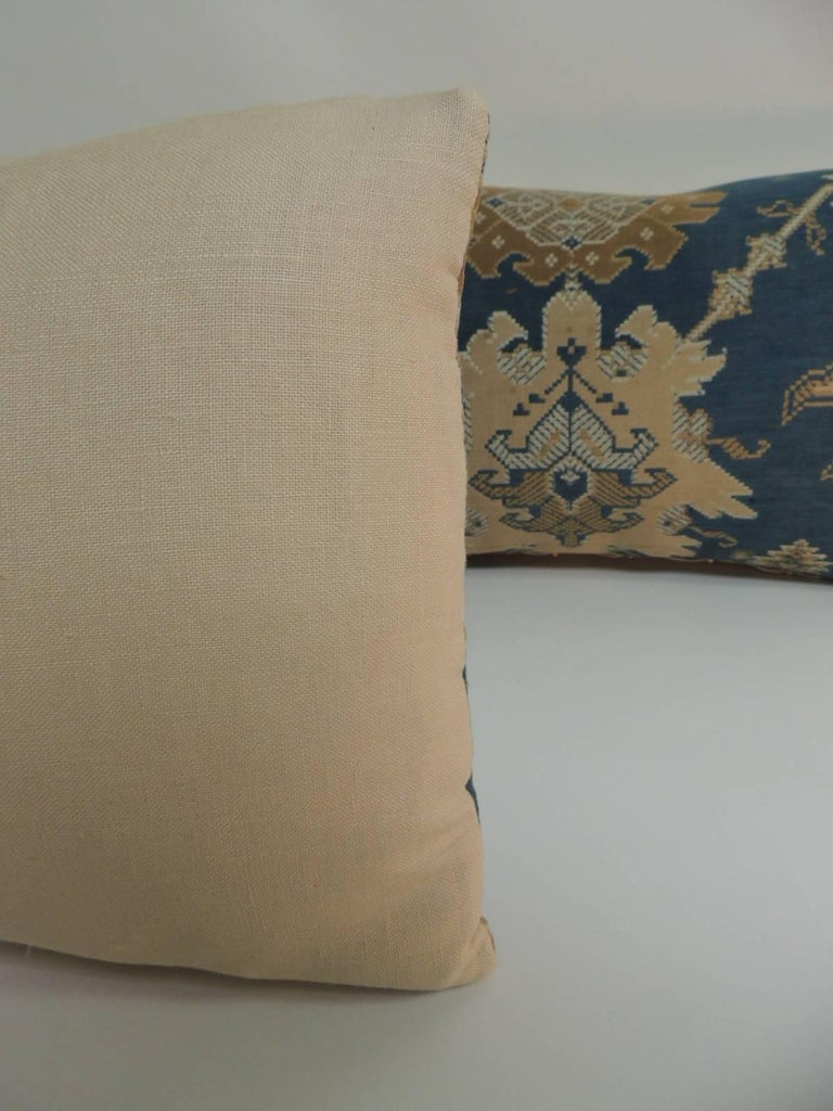 Pair of 19th Century Arts & Crafts Tan and Blue Decorative Lumbar Pillows In Good Condition For Sale In Fort Lauderdale, FL