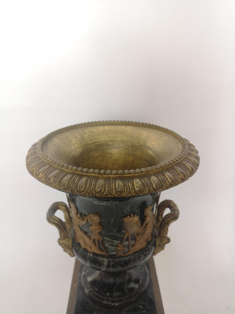 Pair of 19th Century French Bronze And Gilt Marble Urns For Sale 1