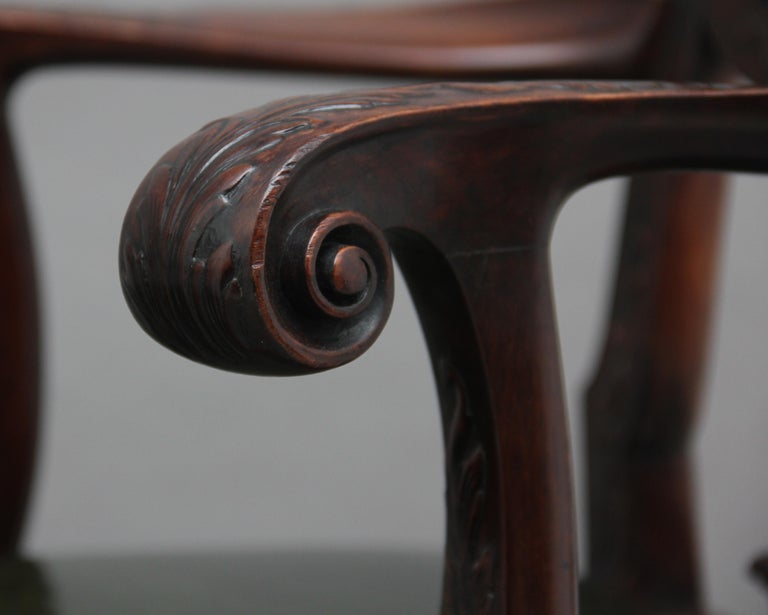 Pair of 19th Century Carved Mahogany Armchairs For Sale 2