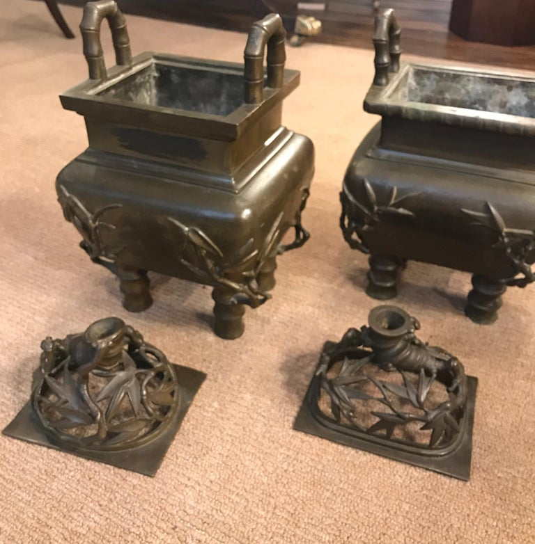 Pair of 19th Century Chinese Bronze Censer Urns For Sale 2