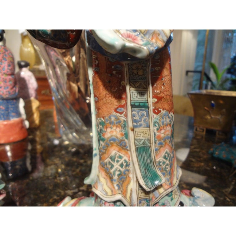 Pair of 19th Century Chinese Hand Decorated Porcelain Figures For Sale 7