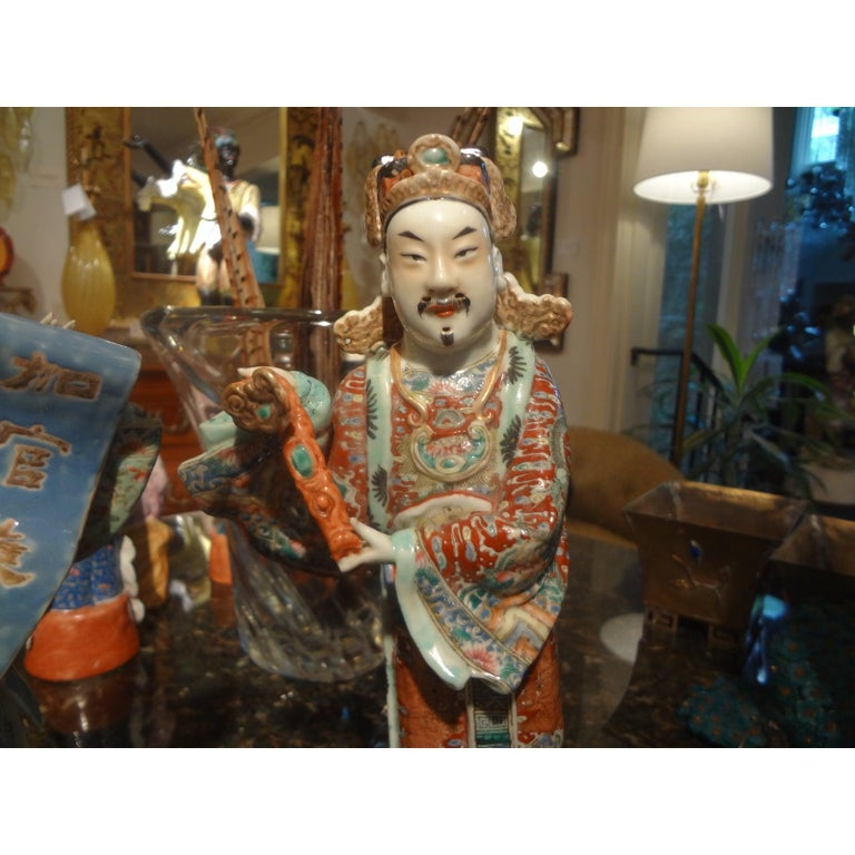 Hand-Painted Pair of 19th Century Chinese Hand Decorated Porcelain Figures For Sale