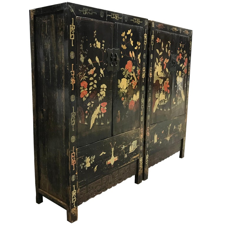 Pair of 19th Century Chinese Painted Cabinets In Good Condition For Sale In Chicago, IL