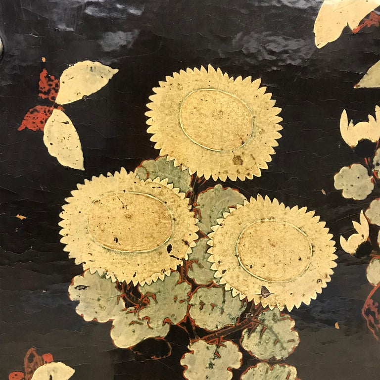 Pair of 19th Century Chinese Painted Cabinets For Sale 3