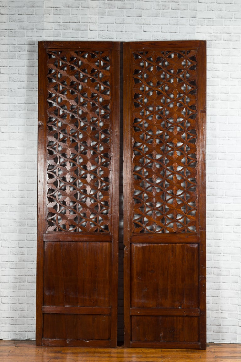 Pair of 19th Century Chinese Wooden Panels with Floral Motifs and Carved Objects For Sale 9