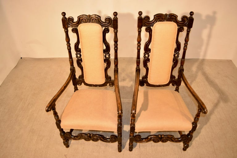 Pair of 19th Century English Hall Chairs In Good Condition For Sale In High Point, NC