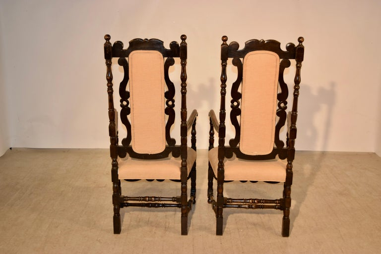 Linen Pair of 19th Century English Hall Chairs For Sale