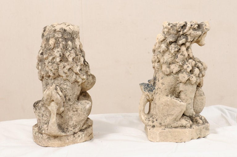 Pair of 19th Century English Lions of Carved Limestone In Good Condition For Sale In Atlanta, GA