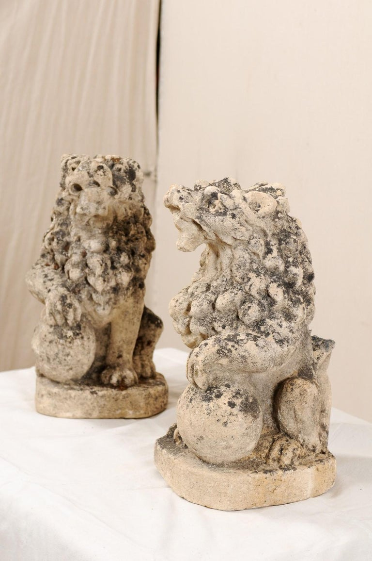 Pair of 19th Century English Lions of Carved Limestone For Sale 2