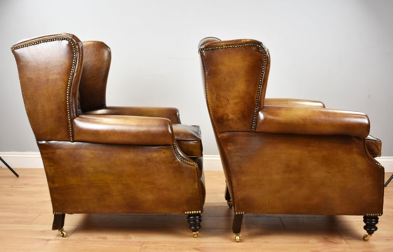 Pair of 19th Century English Victorian Whiskey Brown Leather Armchairs In Excellent Condition For Sale In Chelmsford, Essex