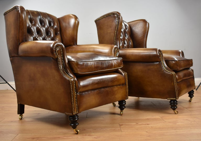 Pair of 19th Century English Victorian Whiskey Brown Leather Armchairs For Sale 3