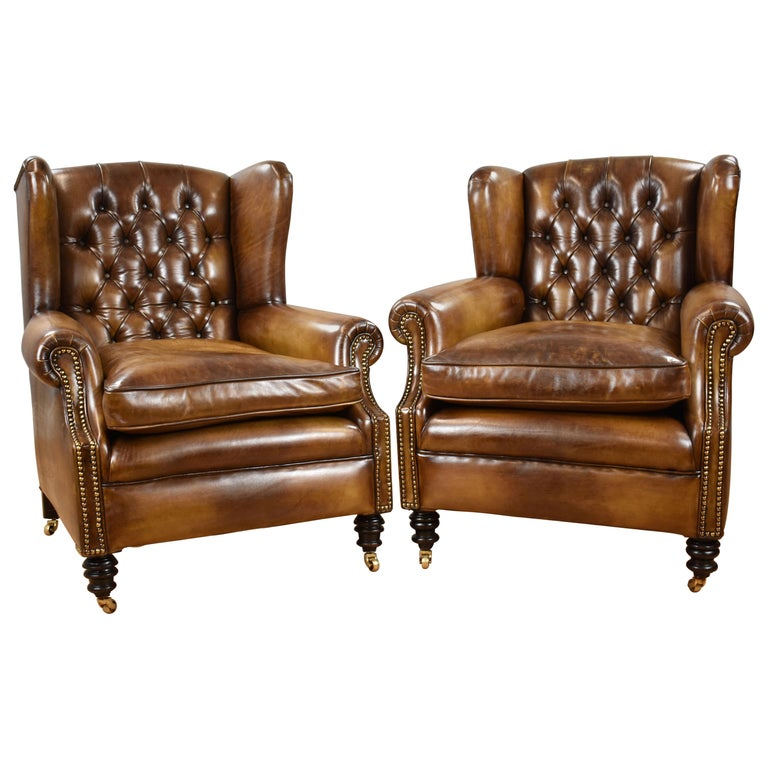 Pair of 19th Century English Victorian Whiskey Brown Leather Armchairs For Sale