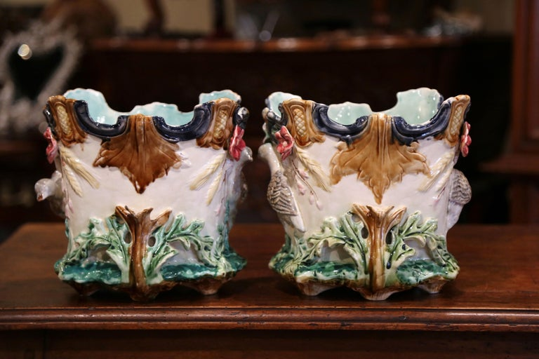 Pair of 19th Century French Barbotine Cachepots with Bird and Floral Decor In Excellent Condition For Sale In Dallas, TX