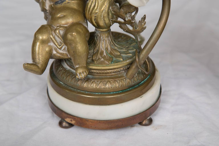 Pair of 19th Century French Bronze Lamps with Putti For Sale 1