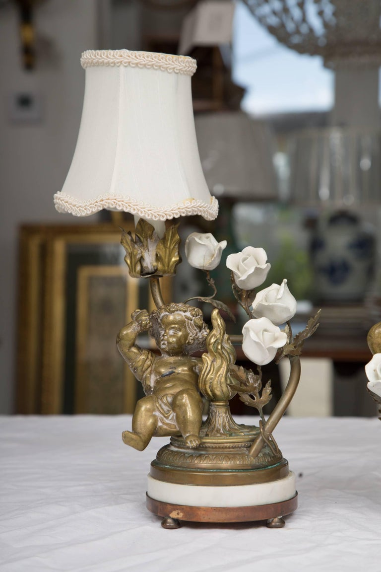 Pair of 19th Century French Bronze Lamps with Putti For Sale 4