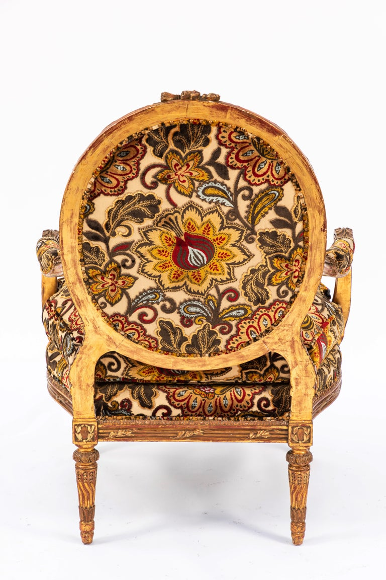 Pair of 19th Century French Carved Giltwood Armchairs For Sale 3