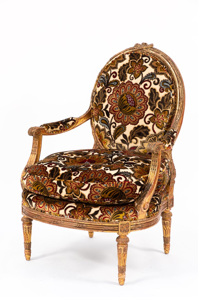 Pair of 19th Century French Carved Giltwood Armchairs For Sale 4