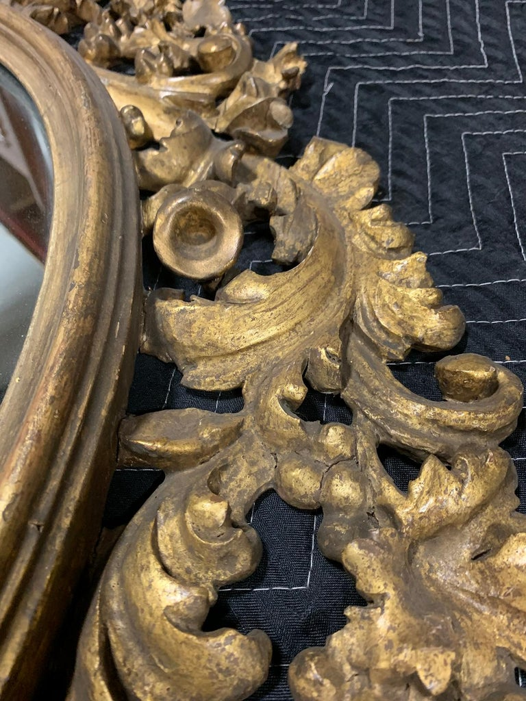 Pair of 19th Century English Carved Giltwood Oval Mirrors For Sale 5
