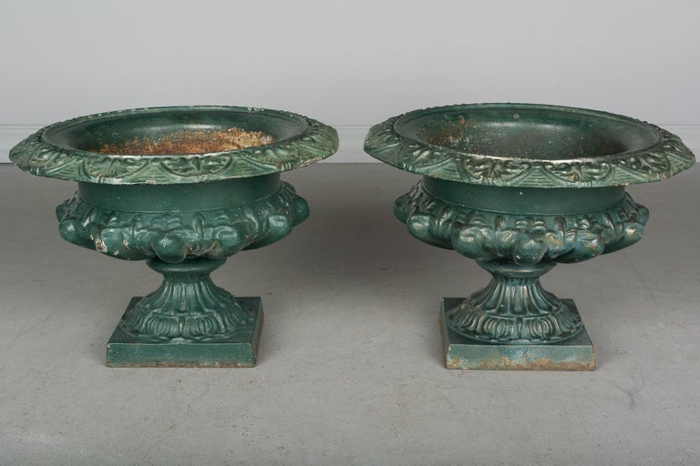Pair of 19th Century French Cast Iron Urns In Good Condition For Sale In Winter Park, FL