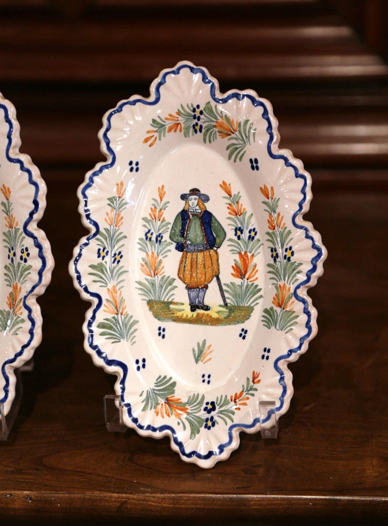 Pair of 19th Century French Faience Oval Wall Plates Signed Henriot Quimper In Excellent Condition For Sale In Dallas, TX