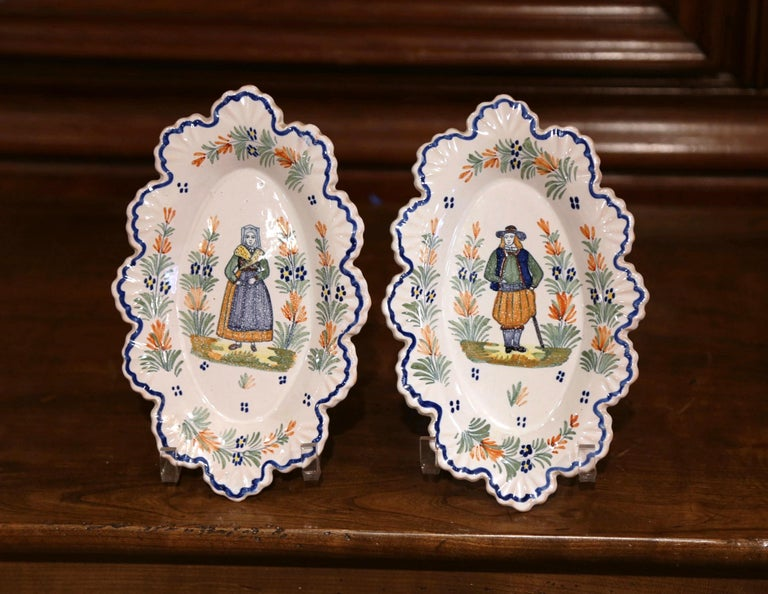 Pair of 19th Century French Faience Oval Wall Plates Signed Henriot Quimper For Sale 1