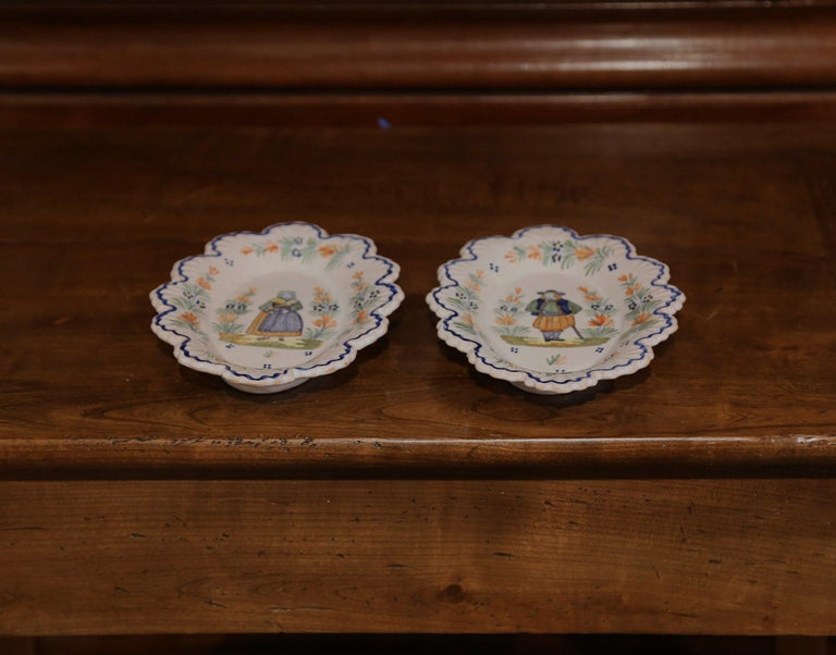 Pair of 19th Century French Faience Oval Wall Plates Signed Henriot Quimper For Sale 3