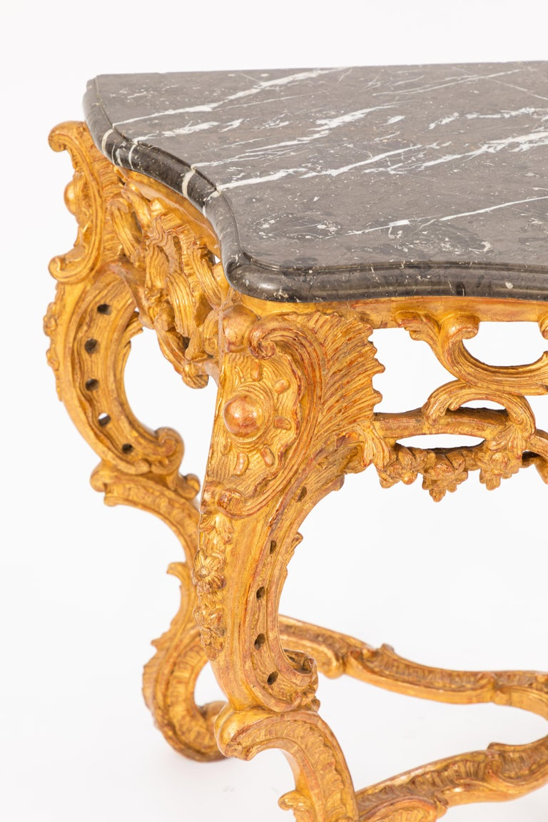 Pair of 19th Century French Giltwood Consoles with Marble Tops In Good Condition For Sale In Los Angeles, CA