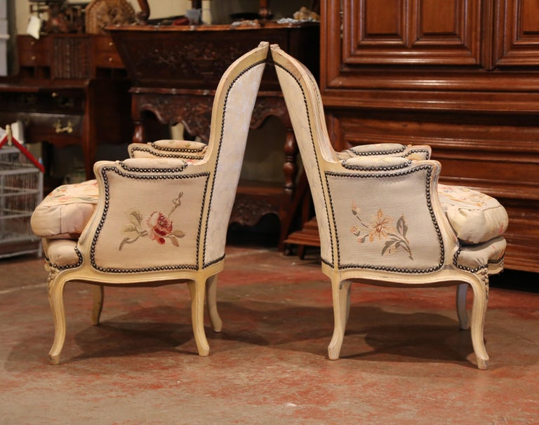 Pair of 19th Century French Louis XV Carved Armchairs with Aubusson Tapestry For Sale 4