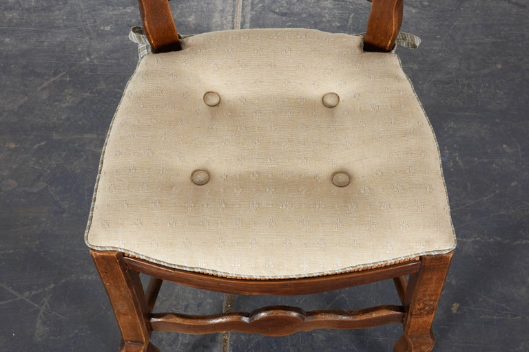 Pair of 19th Century French Louis XV Provincial Walnut Rush-Bottomed Side Chairs In Excellent Condition For Sale In New York, NY