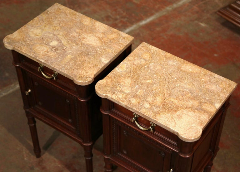 Hand-Carved Pair of 19th Century French Louis XVI Carved Walnut and Marble-Top Nightstands For Sale