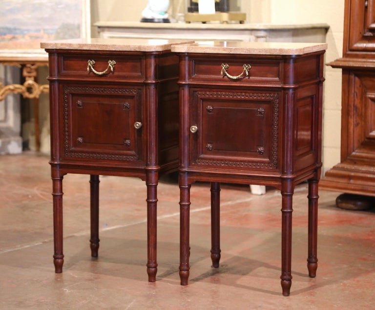 Pair of 19th Century French Louis XVI Carved Walnut and Marble-Top Nightstands In Excellent Condition For Sale In Dallas, TX