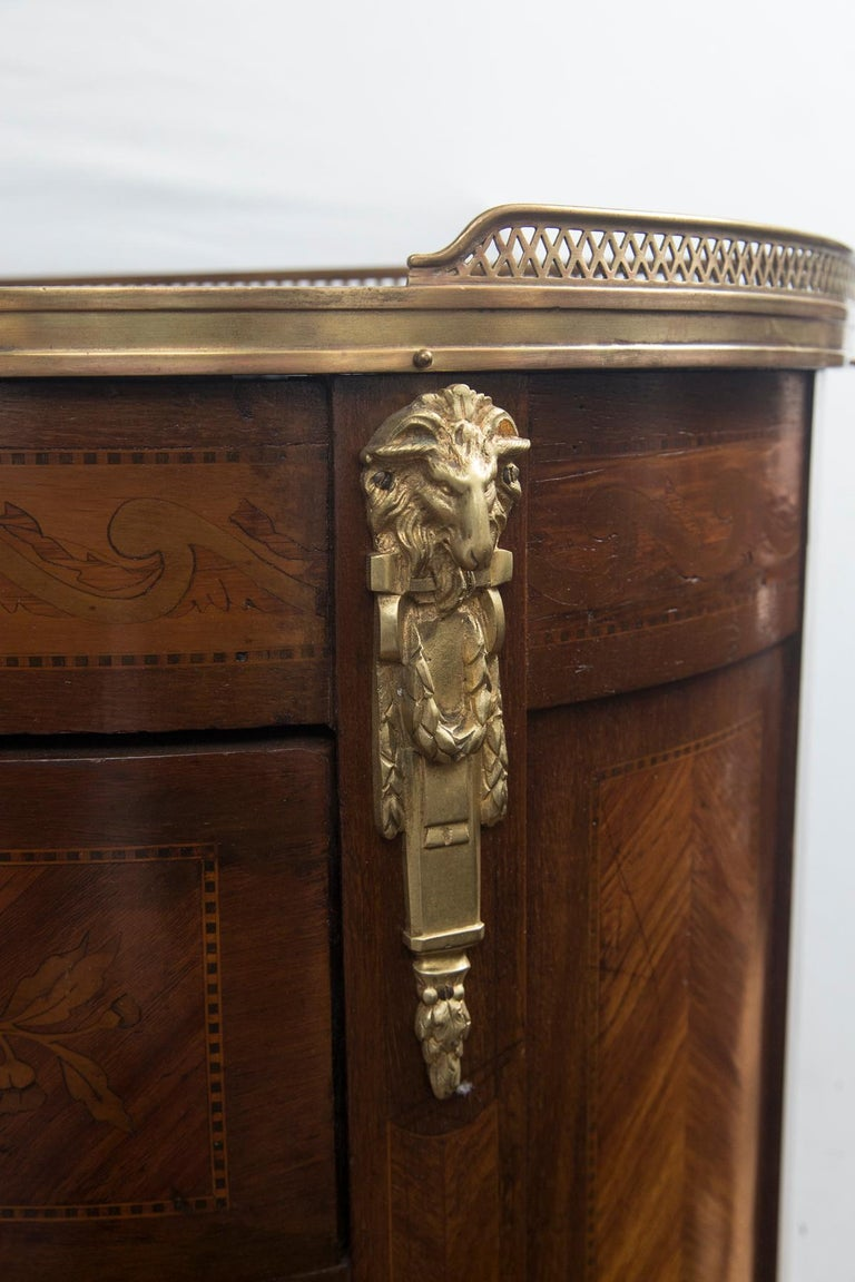 Marquetry Pair of 19th Century French Marble Topped D Shaped Transitional Bedside Tables For Sale