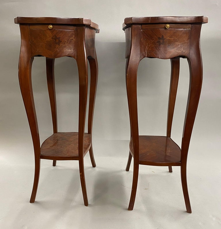 Pair of 19th Century French Marquetry One-Drawer End Tables In Good Condition For Sale In Milford, NH