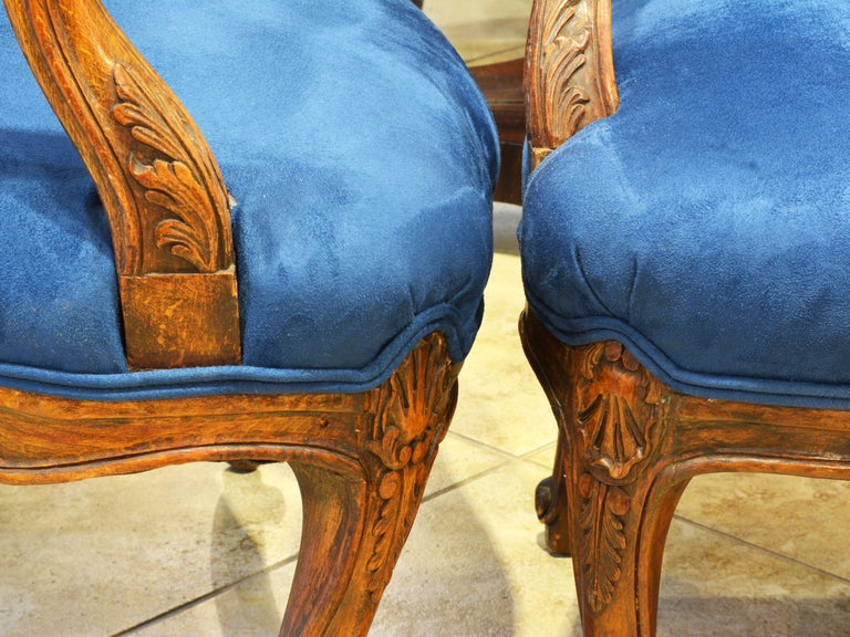 Pair of 19th Century French Provincial Carved Walnut Open Armchairs For Sale 6