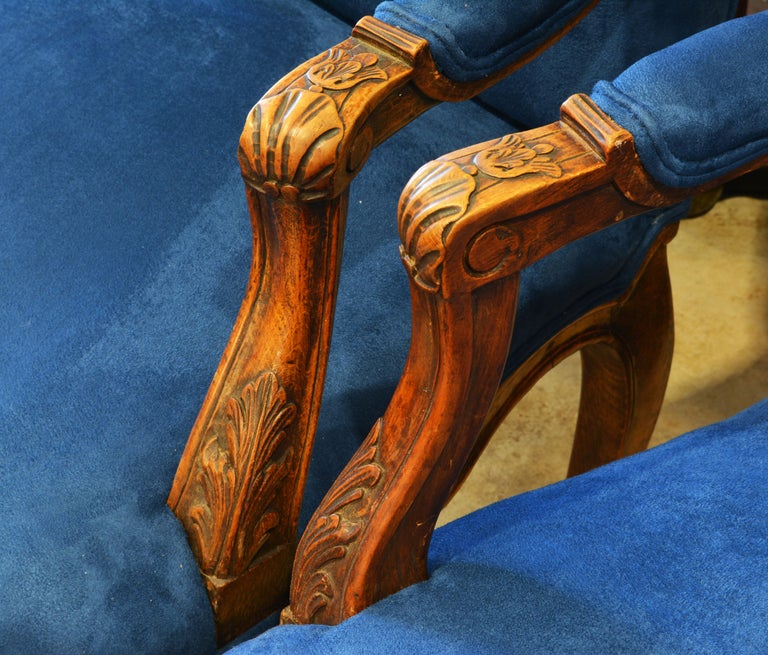 Pair of 19th Century French Provincial Carved Walnut Open Armchairs For Sale 3