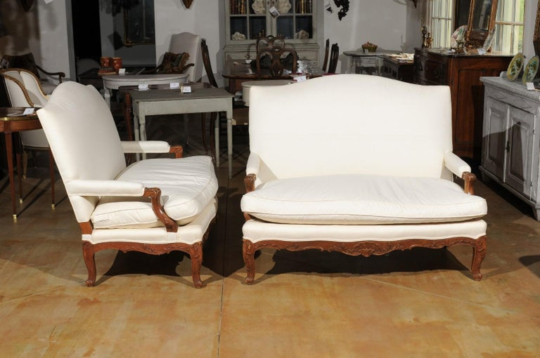 Pair of 19th Century French Régence Style Upholstered Canapés with Cabriole Legs For Sale 3