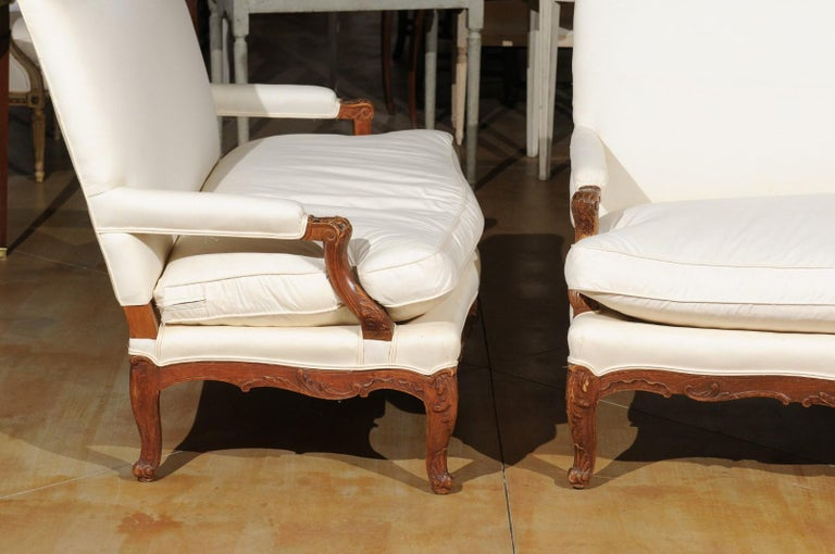 Pair of 19th Century French Régence Style Upholstered Canapés with Cabriole Legs For Sale 4