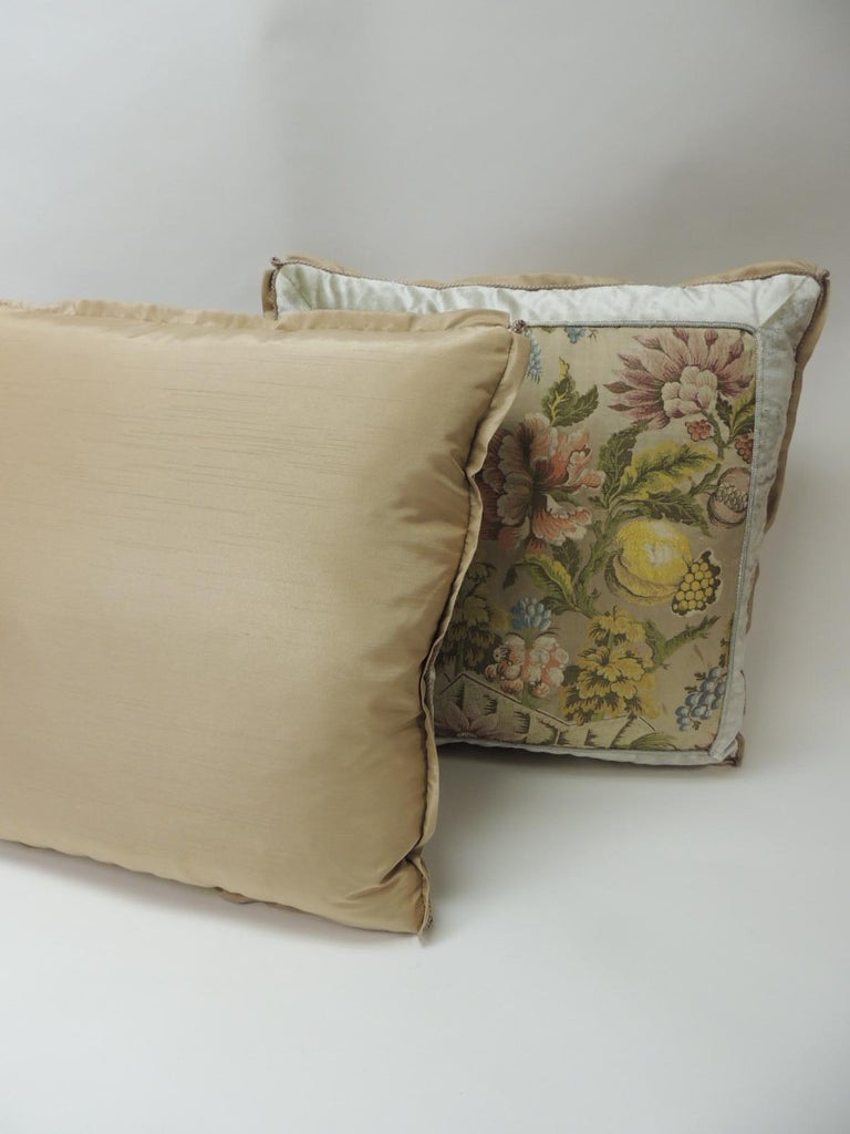 Hand-Crafted Pair of 19th Century French Silk Brocade Floral Decorative Pillows For Sale