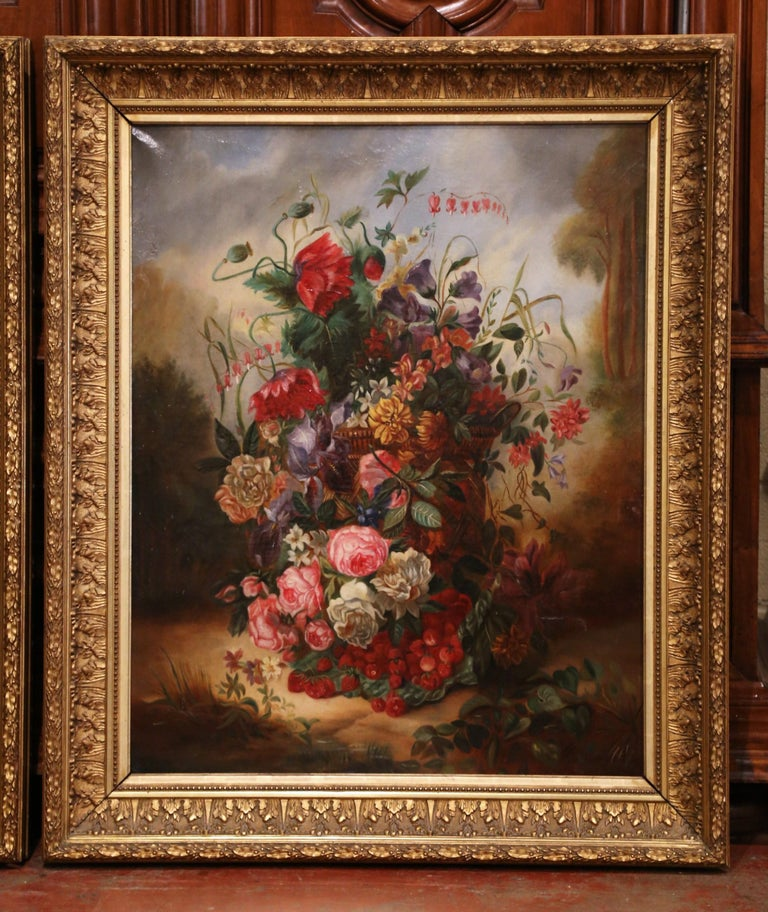 Pair of 19th Century French Still Life Flower Paintings in Gilt Frames In Excellent Condition For Sale In Dallas, TX