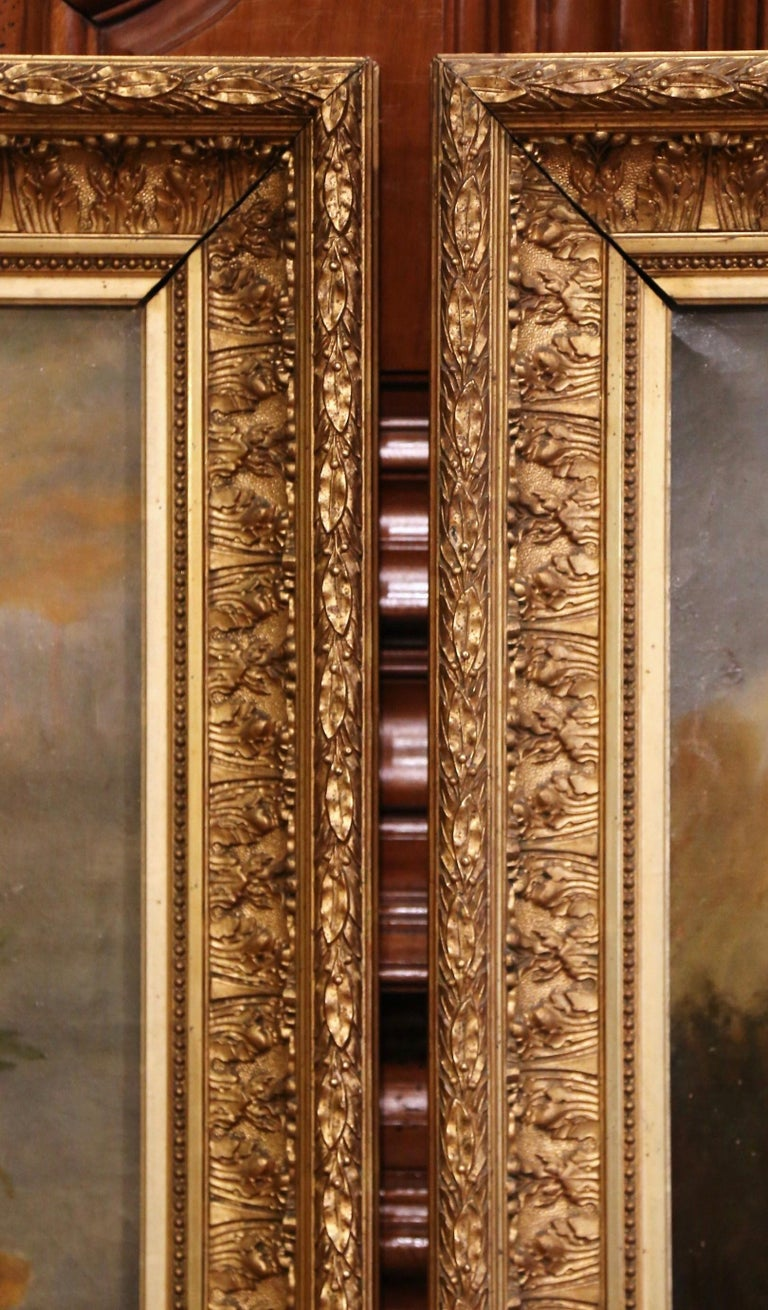 Pair of 19th Century French Still Life Flower Paintings in Gilt Frames For Sale 3