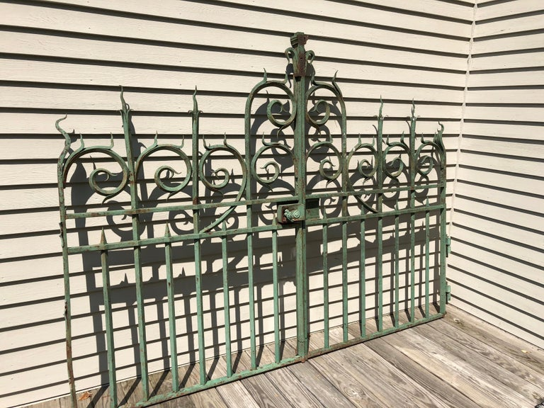 Napoleon III Pair of 19th Century French Wrought Iron Vineyard Entrance Gates from Bordeaux For Sale
