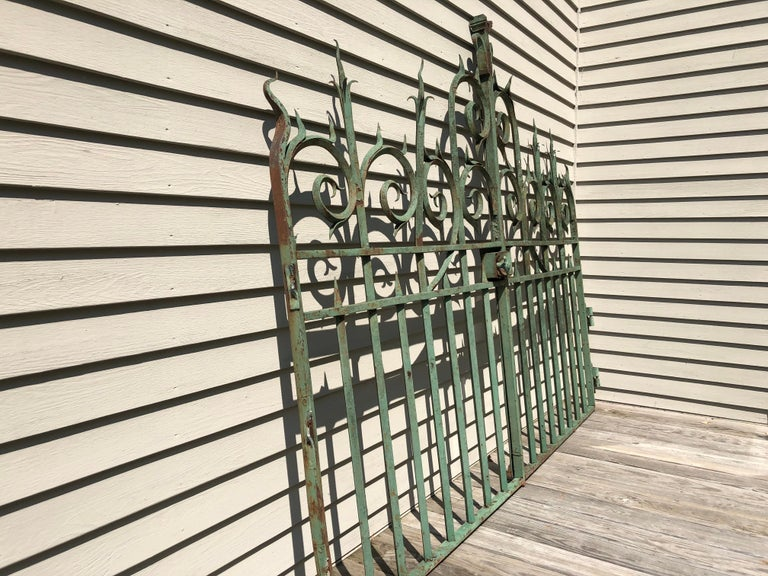 Hand-Crafted Pair of 19th Century French Wrought Iron Vineyard Entrance Gates from Bordeaux For Sale