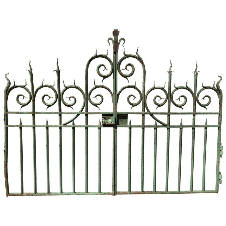 Pair of 19th Century French Wrought Iron Vineyard Entrance Gates from Bordeaux For Sale