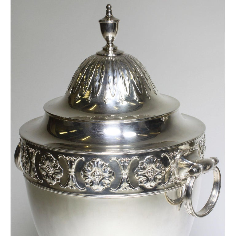 Pair of 19th Century George III Style Plated Hot Water Samovars, Elkington For Sale 7