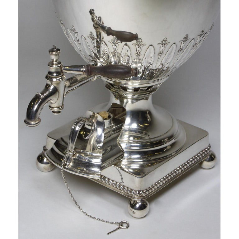 Pair of 19th Century George III Style Plated Hot Water Samovars, Elkington For Sale 3