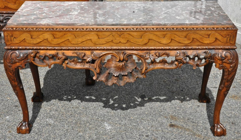 Mid-19th Century Pair of 19th Century Irish Georgian Walnut Console Tables For Sale